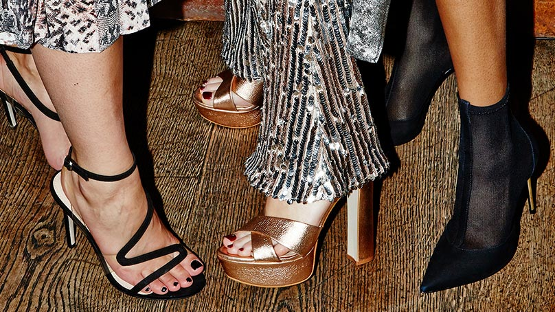 Sandale de REVELION: FOOT RESCUE!