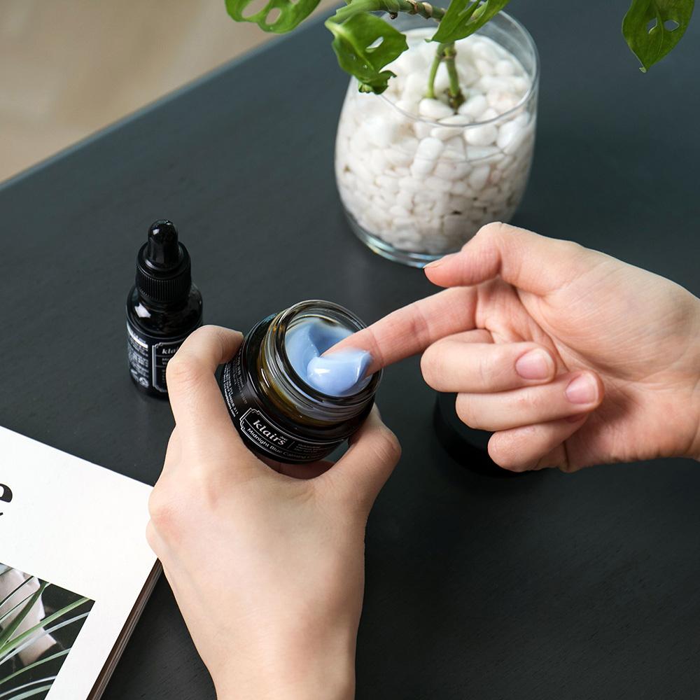 Midnight Blue Crema de fata cu efect calmant 30 ml