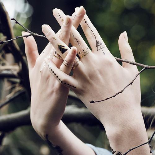 Tatuaj temporar Constellation rezistent la apa Femei