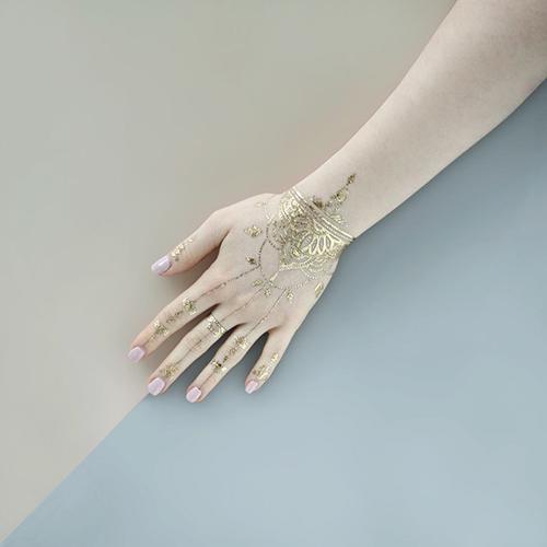 Tatuaj temporar Henna Gold rezistent la apa Femei